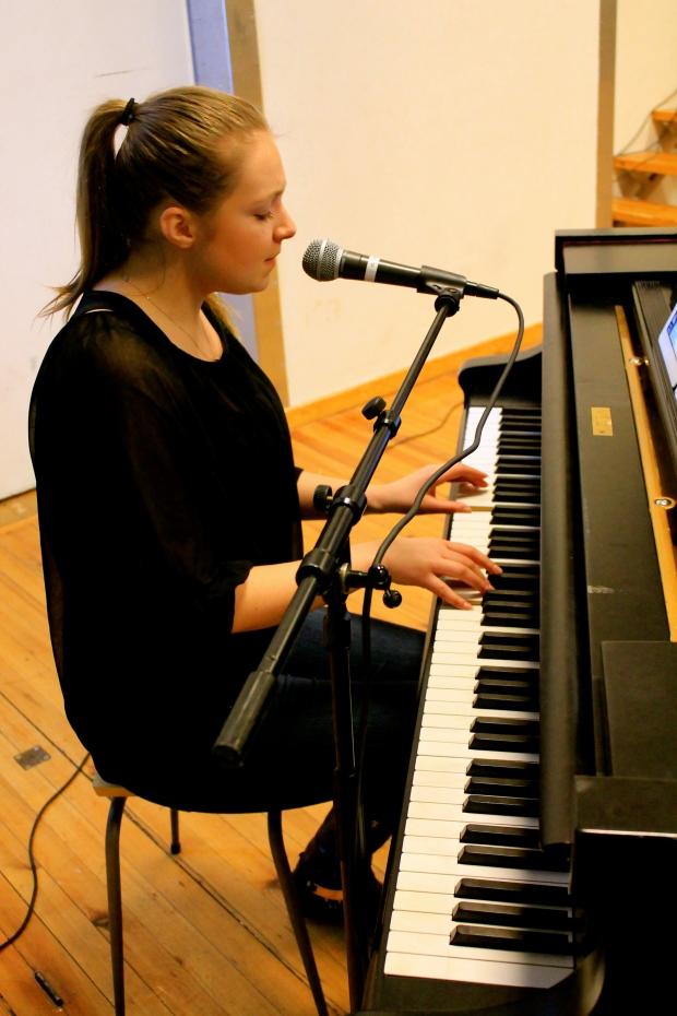 """Jonna Haikonen sjöng väldigt fint """"Stunder som den här"""""""